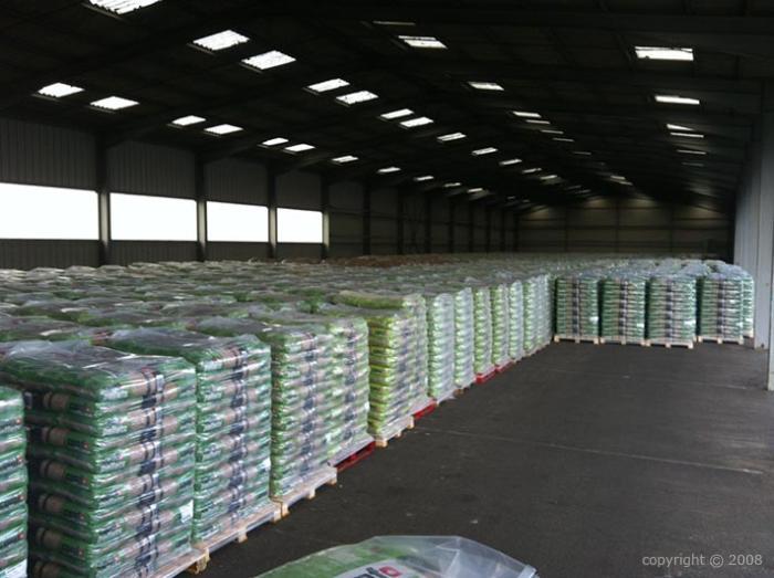 Granul s de bois premium din en en palette de 65 sacs de for Tarif chaudiere a granules de bois